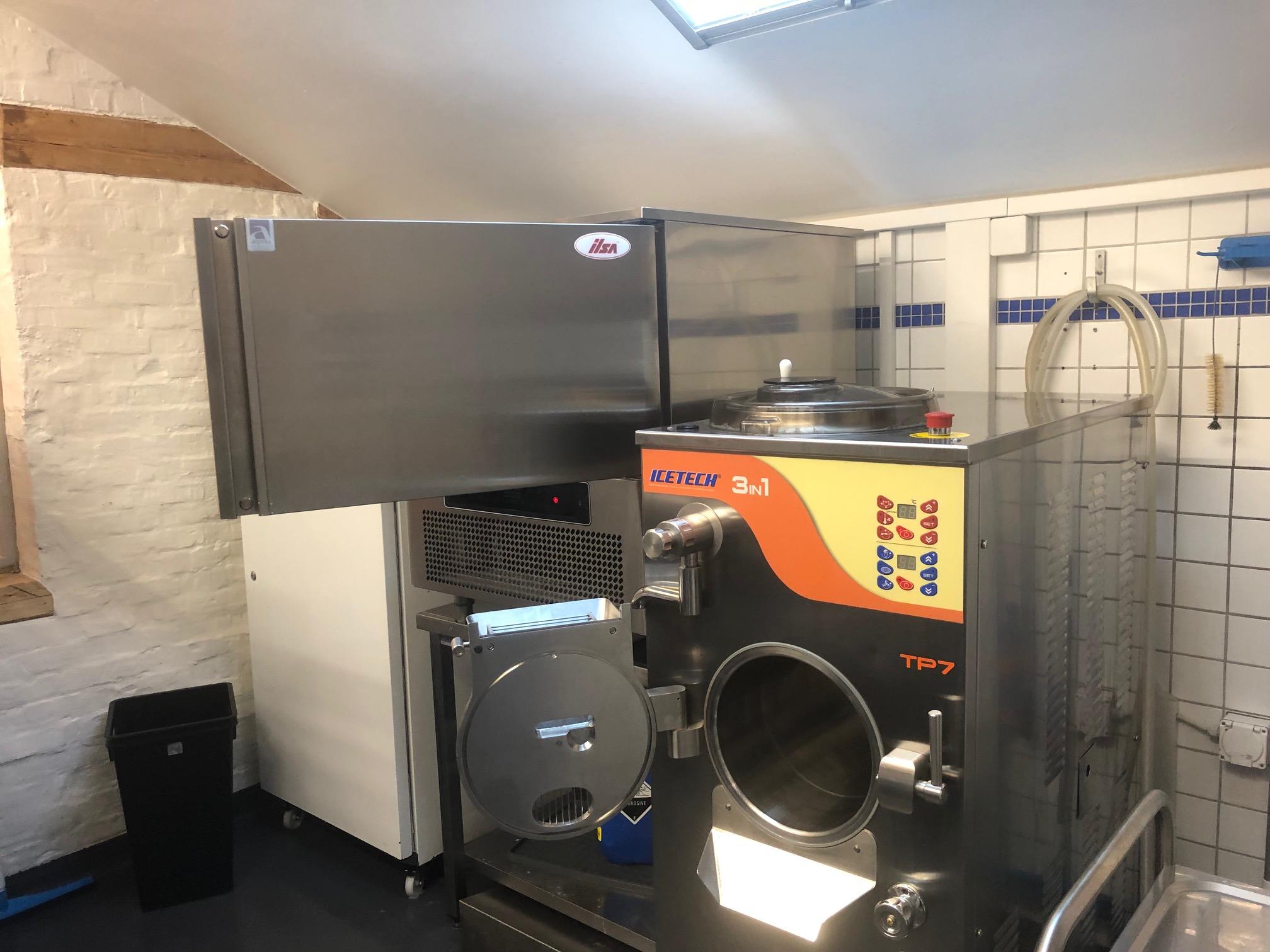 Eismaschine wo Glace News gemacht werden