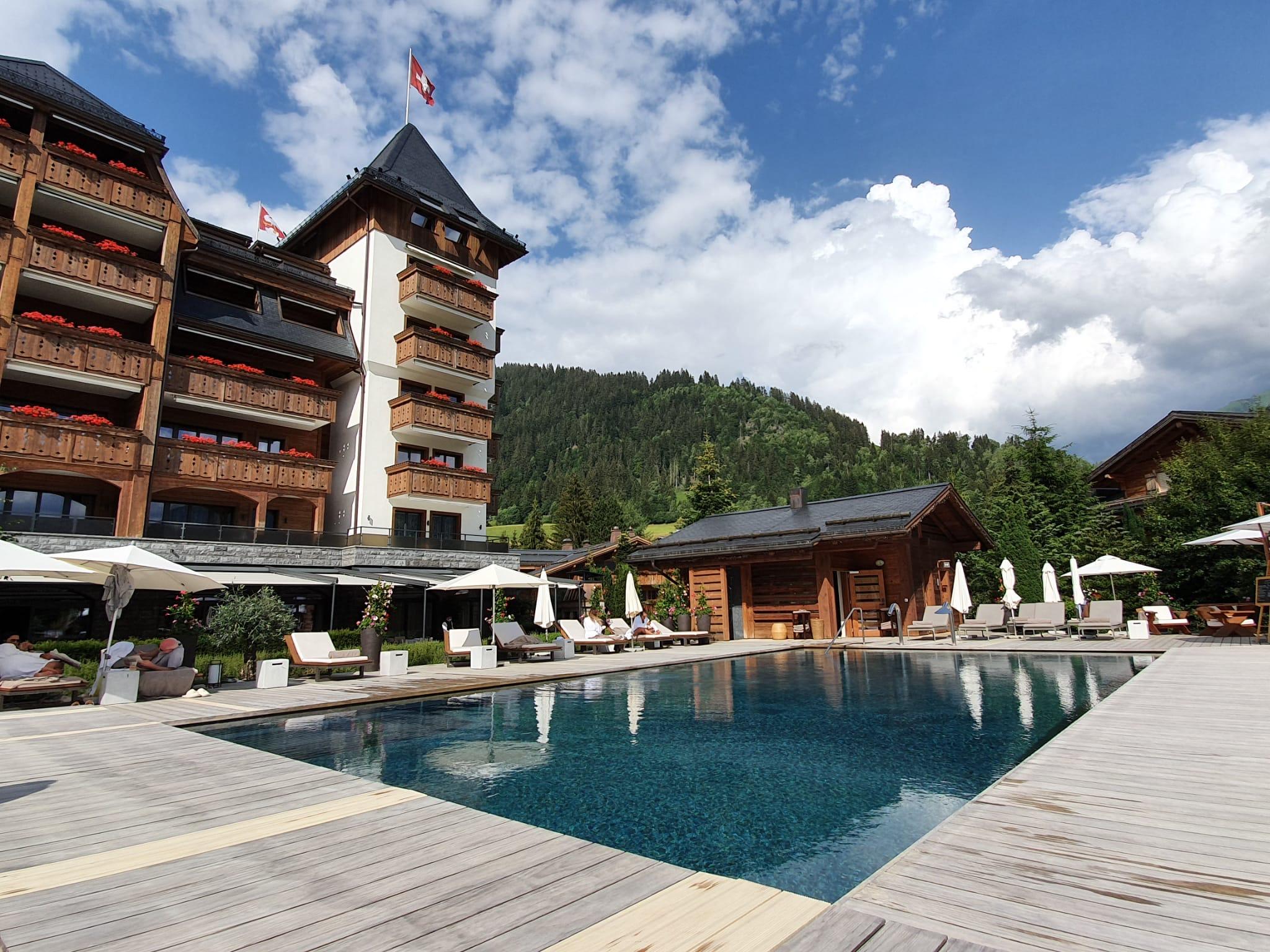 The Alpina Gstaad Aussenpool