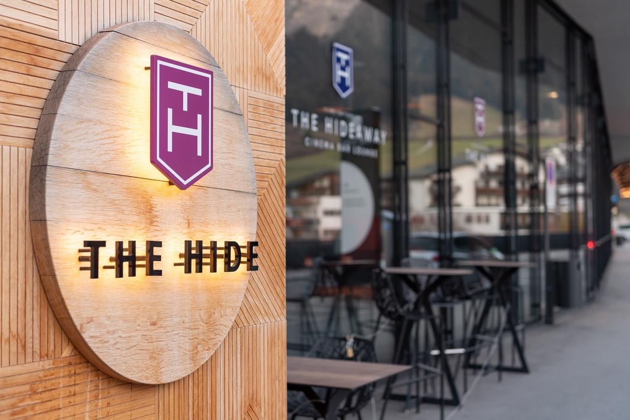 The Hide Hotel Flims Eingangsbereich