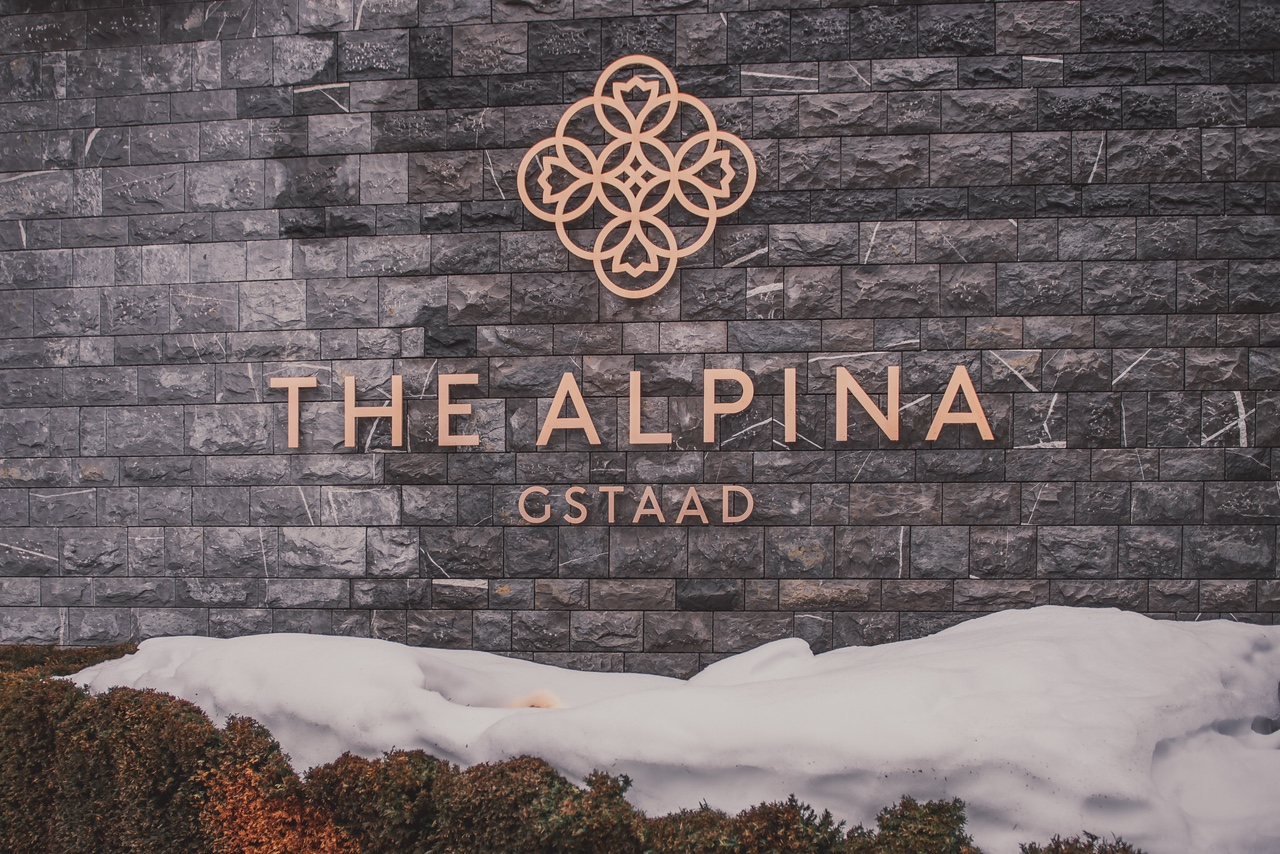 The Alpina Gstaad Eingang