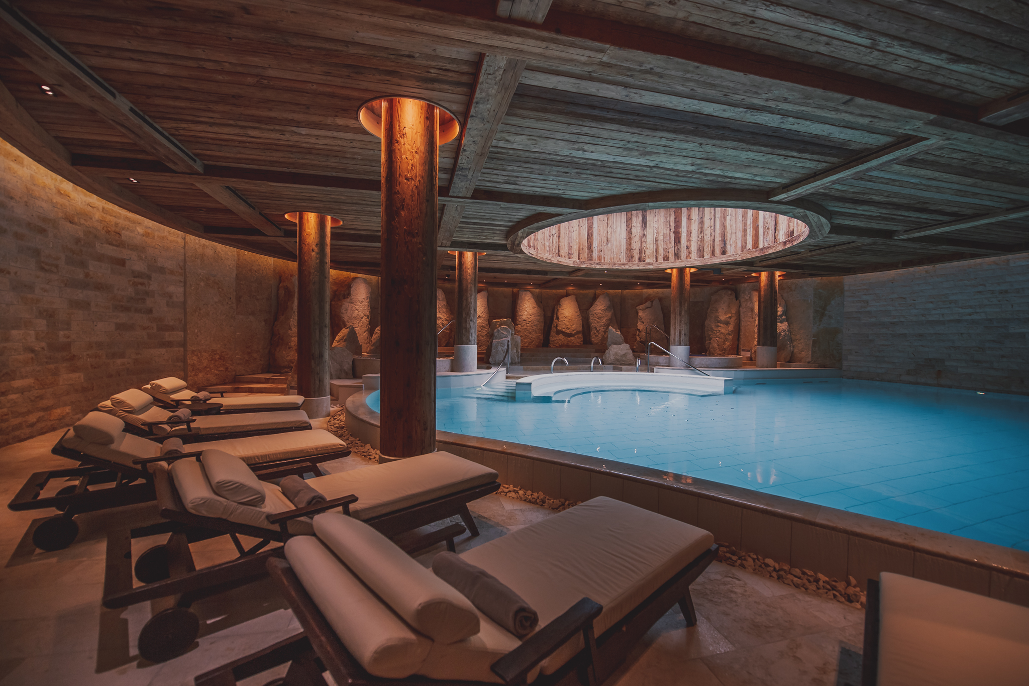 the Alpina Gstaad Indoorpool